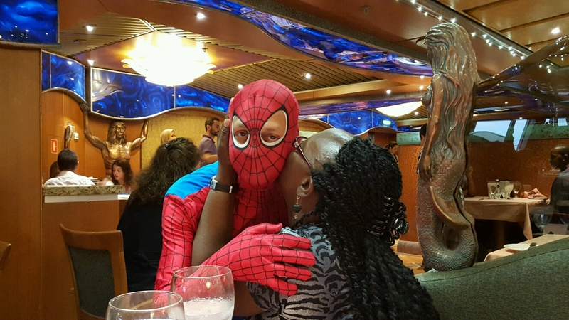 smootchin the spidey! - Carnival Victory