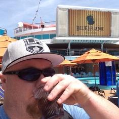 Pool Bar on Carnival Dream