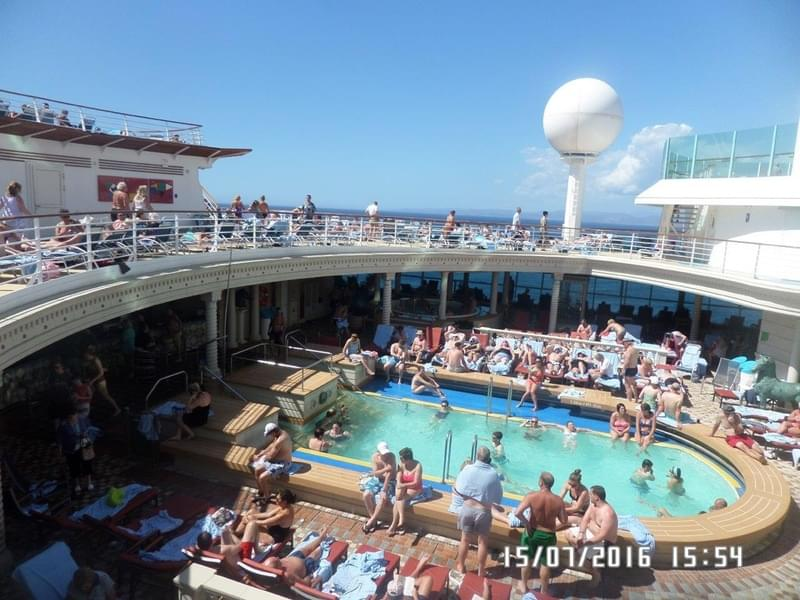Solarium on Navigator of the Seas