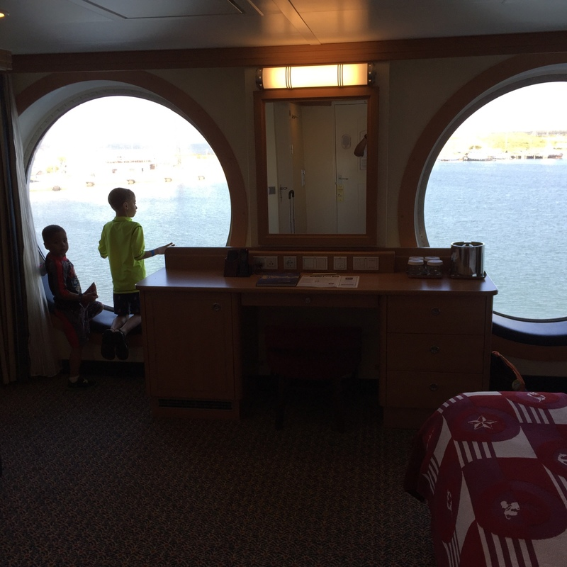 Deluxe Family Oceanview Stateroom Cabin Category 8a