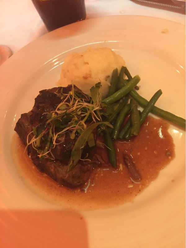 Carnival Breeze, Dining, Blush Dining Room