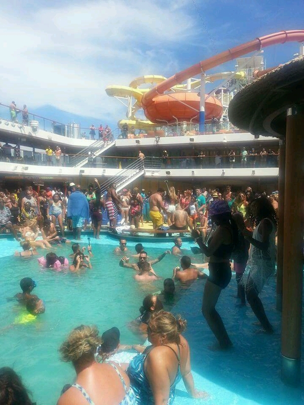 The Famous Lido Deck - Carnival Breeze