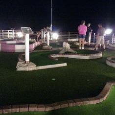 Mini Golf on Carnival Victory