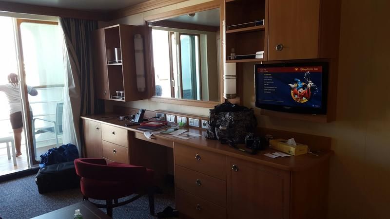 Deluxe Family Oceanview Stateroom With Verandah Cabin
