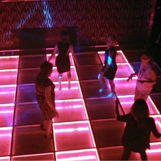 Medusas Lair Dance Club on Carnival Legend