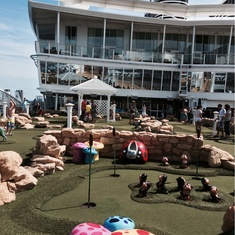 Dunes Mini Golf on Allure of the Seas