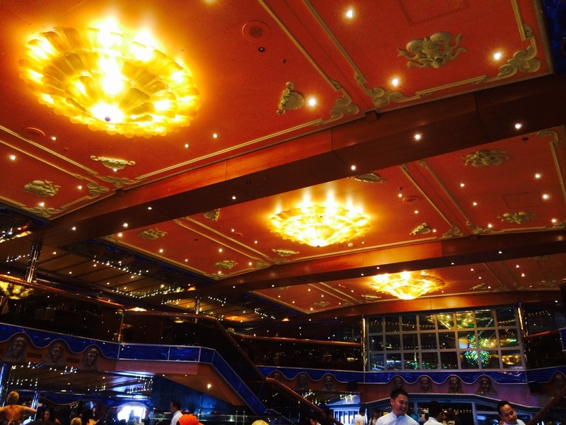 Dining room - Carnival Victory