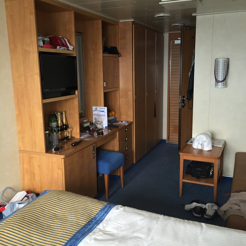Carnival Breeze cabin 7283