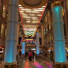 Boutiques on Freedom of the Seas