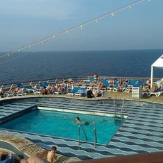 Pool Bar on Thomson Dream