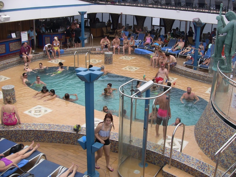 Carnival Legend, Pools, Avalon Main Pool