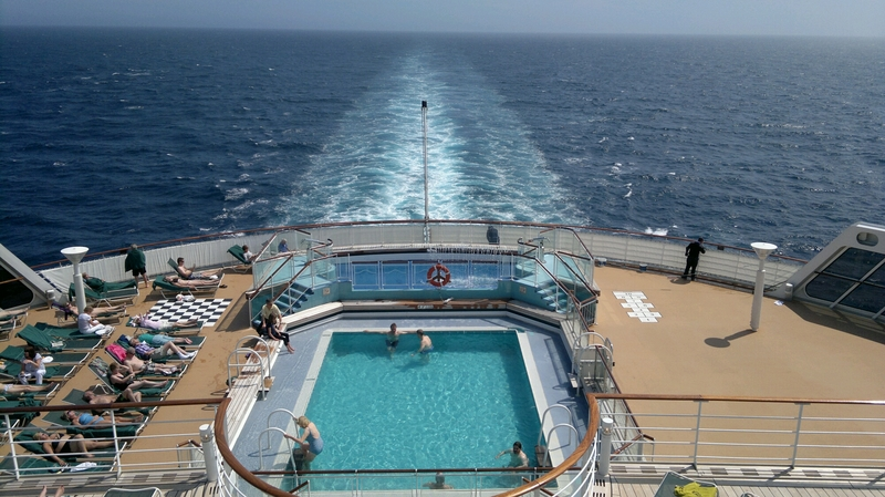 Swimming Pool on Queen Mary 2