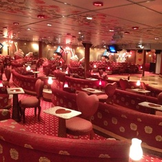 Mad Hatter''s Ball Lounge on Carnival Miracle