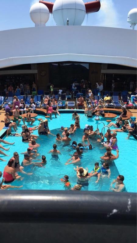 Carnival Pride, Pools, Venus Lido Pool