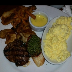 Restaurant Cezanne on Carnival Conquest