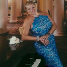 Billie''s Piano Bar on Carnival Legend