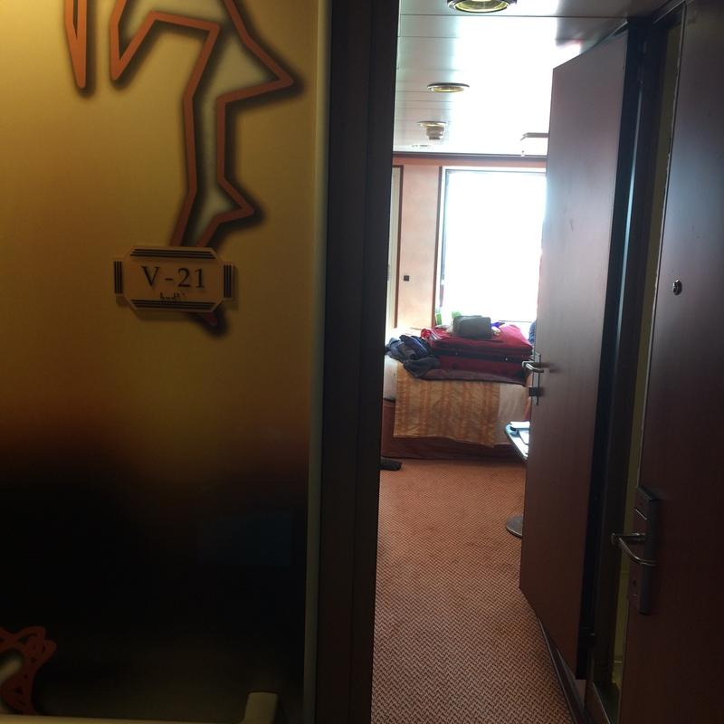 Carnival Fantasy cabin V21
