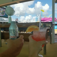 Pool Bar on Majesty of the Seas
