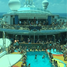 Pool Bar on Brilliance of the Seas