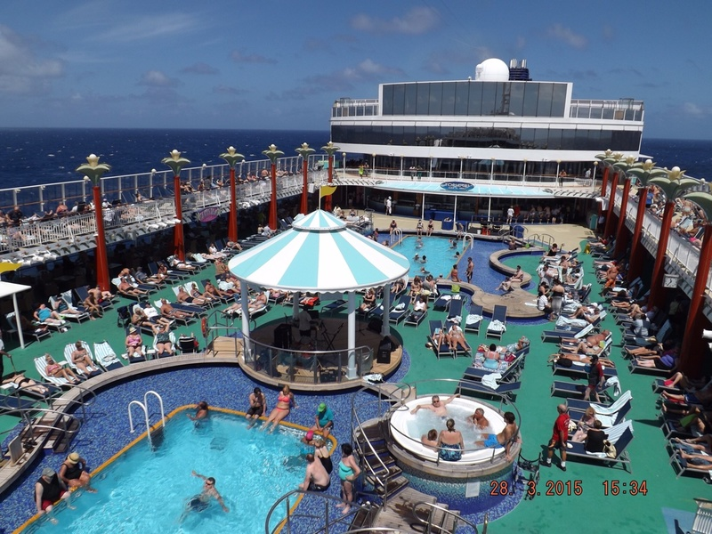 Norwegian Pearl Cruise Ship - Reviews and Photos ...