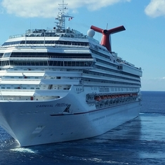 Carnival Glory Cruise Ship - Reviews and Photos ...
