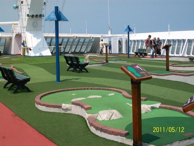 Carnival Sensation, Sports, Mini Golf