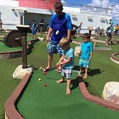 Mini Golf on Carnival Dream