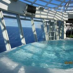 Whirlpools on Oasis of the Seas