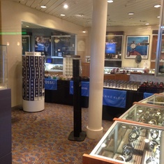 Photo Gallery and Shop on Majesty of the Seas