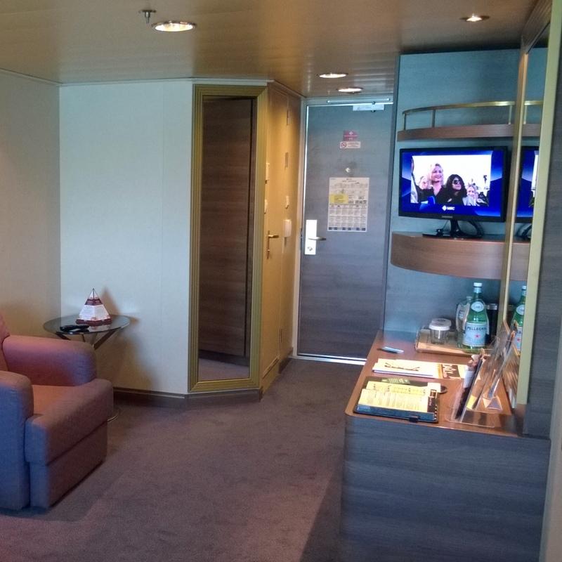 Deck Plan Msc Divina: Oceanview Stateroom, Cabin Category O1, MSC Divina