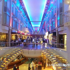 Boutiques on Navigator of the Seas