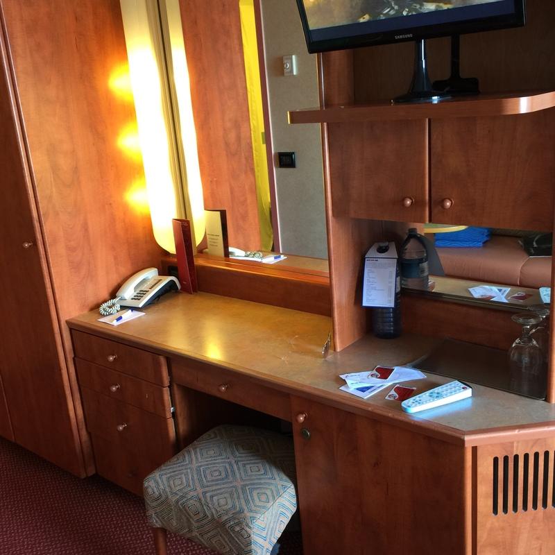 Carnival Conquest cabin 1115