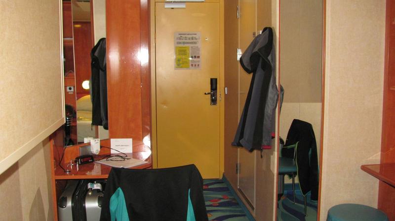 Inside Cabin 10603 on Norwegian Gem, Category IA