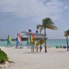 Guest Services/Shore Excursions on Disney Dream