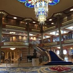 Lobby and Atrium Bar on Disney Dream